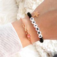 Perlenarmband mit Namen rosegold