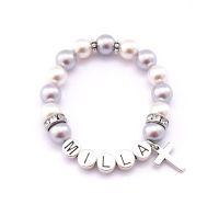 Kinderarmband mit Perlen. Kinderarmbänder mit Namen.