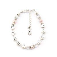 Personalisiertes Armband mit Namen günstig online gestalten. Perlenarmband mit Namen.